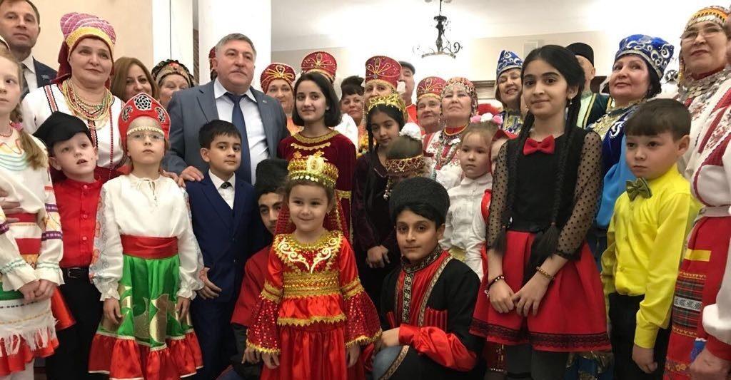 Азербайджанцы Лениногорска организовали новогодний праздник по случаю Дня солидарности (ВИДЕО)