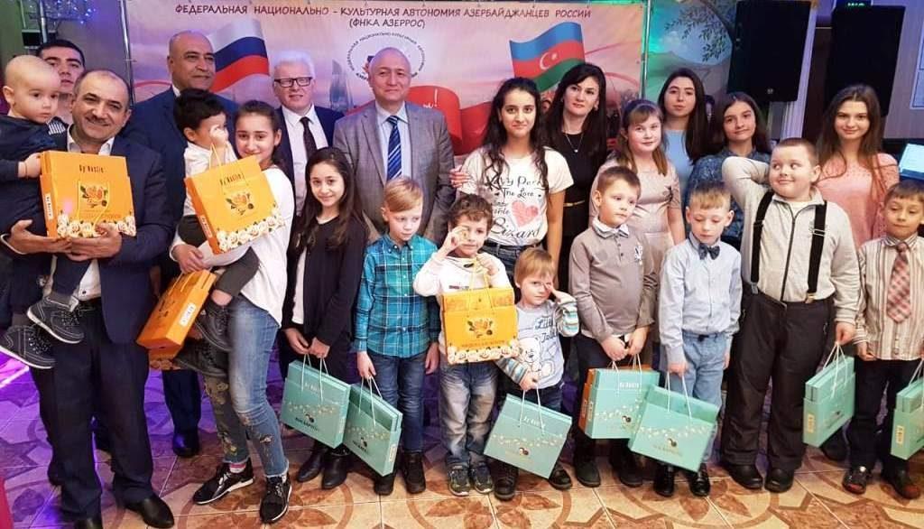 Азербайджанцы организовали праздничную благотворительную акцию «Новруз Байрамы – встречаем весну вместе» (ВИДЕО, ФОТОЛЕНТА)