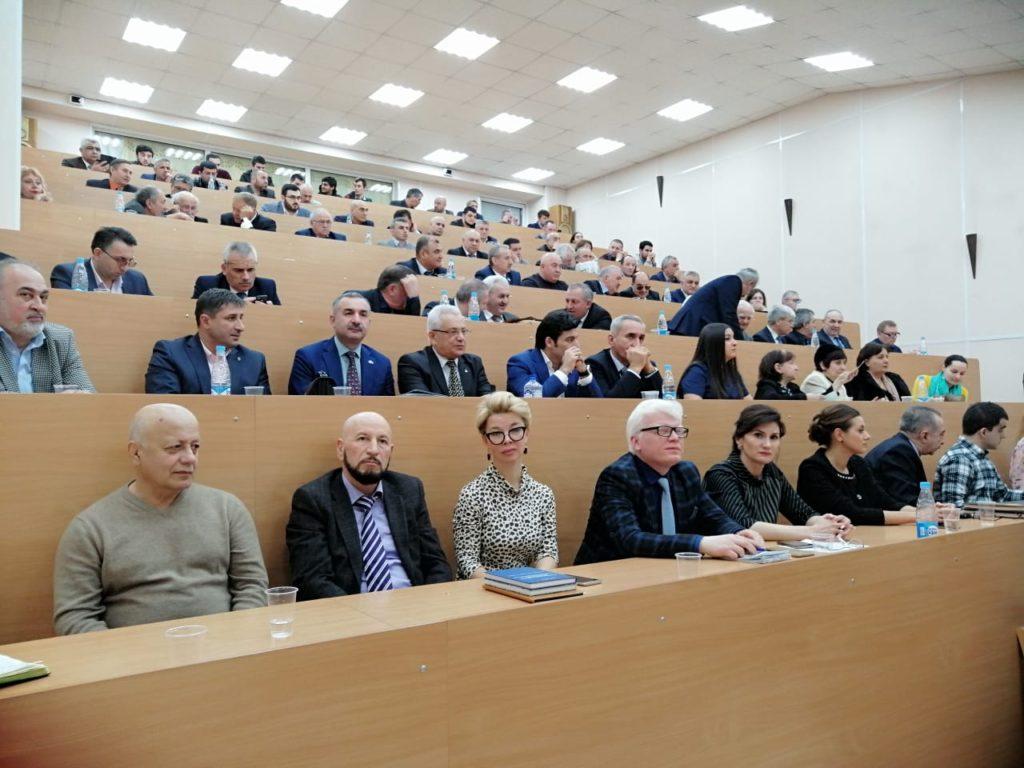 В Санкт-Петербурге презентована книга «Бакинская крепость Ичеришехер» (ФОТОЛЕНТА)