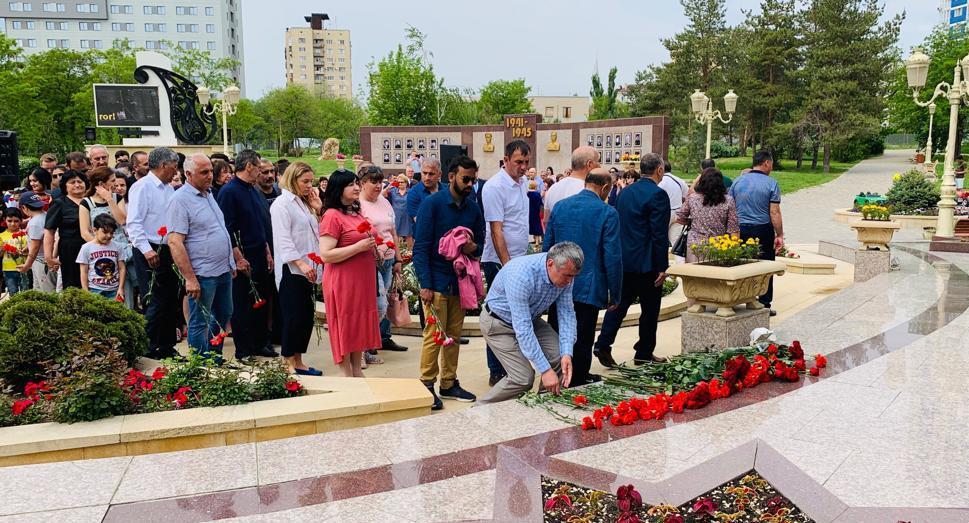 В Волгограде отметили 96-ю годовщину со дня рождения Гейдара Алиева (ФОТОЛЕНТА)