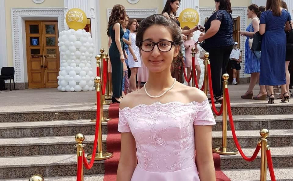 Джамиля Масимова — золотая медалистка Оренбургской гимназии (ФОТОЛЕНТА)