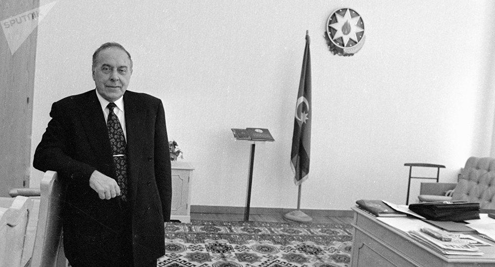 16 лет назад не стало общенационального лидера Гейдара Алиева (ФОТО)