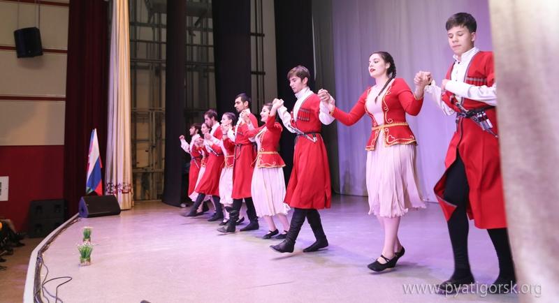 В Пятигорске прошел вечер памяти в честь 650-летия Насими (ФОТОЛЕНТА)