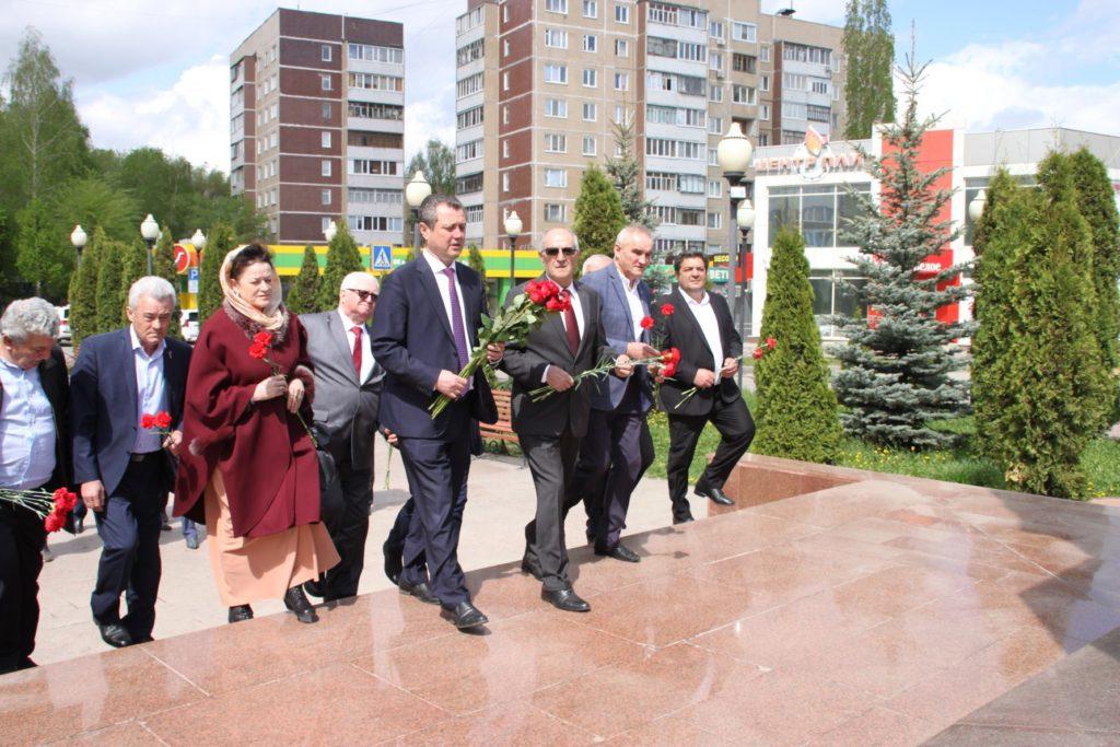 В Ульяновске отметили 97-ую годовщину со дня рождения Гейдара Алиева (ФОТОЛЕНТА)
