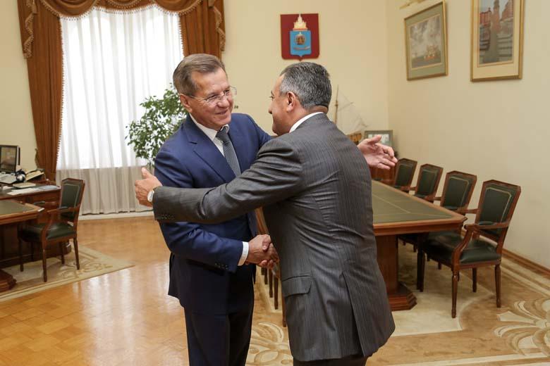 Губернатор Астраханской области принял делегацию из Баку