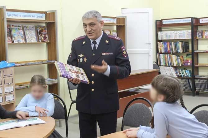 В Тольятти руководитель отдела полиции Айдын Камбаров с риском для жизни спас ребенка
