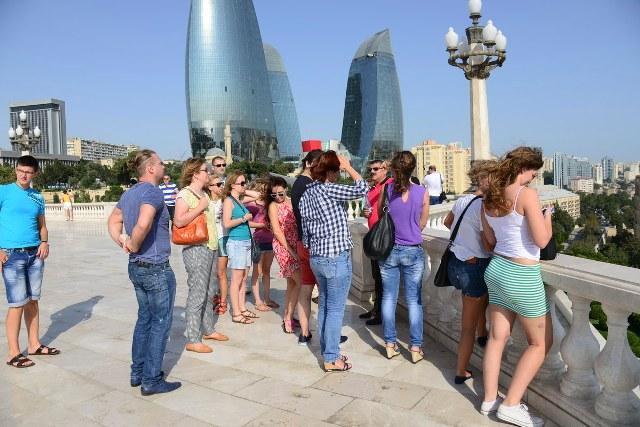 Российские туристы выбрали Азербайджан для своего новогоднего отдыха (ВИДЕО)